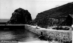 Mullion, Cove Harbour c.1955