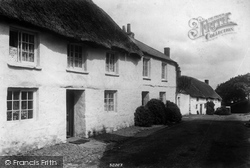 Mullion, Old Cottages 1904