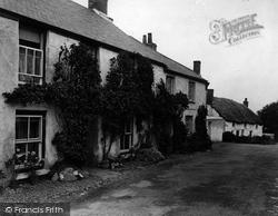 Mullion, Old Cottages 1927