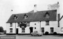 Mundford, The Crown Inn c.1960