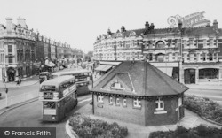 Muswell Hill, The Roundabout And Broadway c.1965
