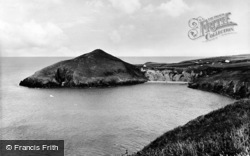 Mwnt, The Bay And Headland c.1965