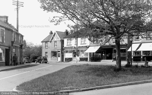 Nailsea, The Post Office and Green c1965