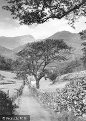 Snowdon And Lliwedd c.1960, Nant Gwynant