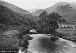 View In The Valley 1913, Nant Gwynant