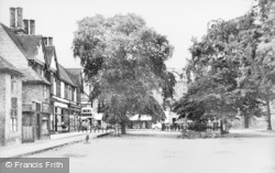 Nantwich, High Street And Churchyard c.1955