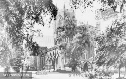 Nantwich, St Mary's Church c.1955