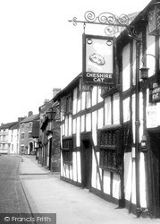 Nantwich, The Cheshire Cat, Welsh Row c.1960