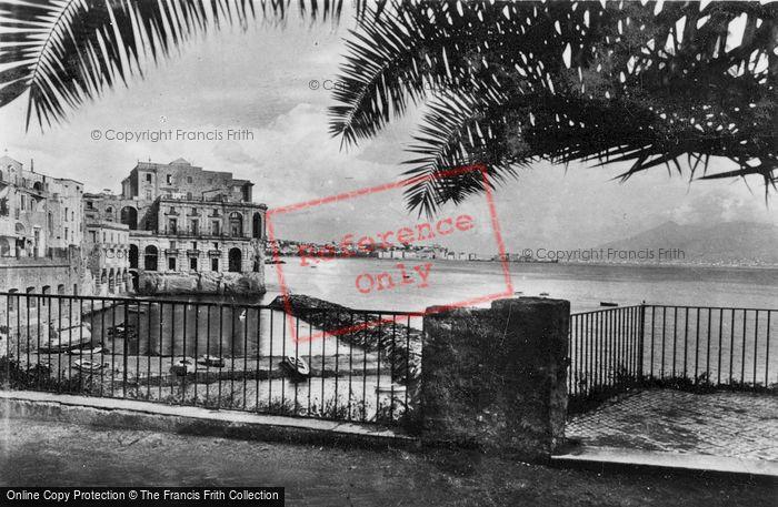Photo of Naples, Palazzo Donn'anna c.1920