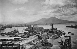 The Port c.1920, Naples