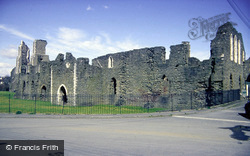 Neath, Castle c.1989