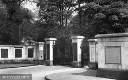 Neath, Memorial Gates, Gnoll Grounds c.1955