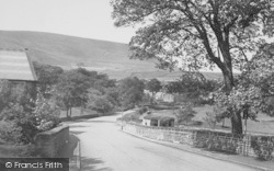 Nelson, Pendle From Bridge End 1954