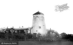 Old Mill c.1939, Neston