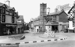 The Cross c.1965, Neston