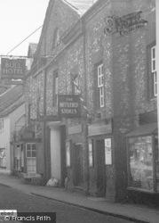 Nettlebed, Bull Hotel, And Nettlebed Stores c.1955