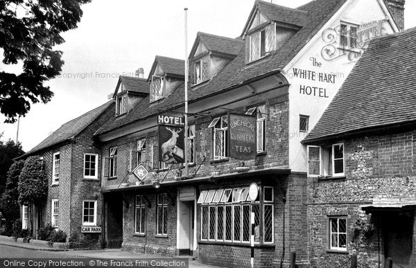 Photo of Nettlebed, White Hart Hotel c.1955