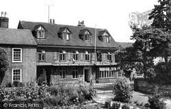 Nettlebed, White Hart Hotel c.1955