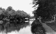 New Haw, the Wey Navigation c1950