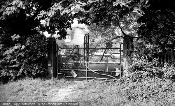 New Mill, the Implement Gate c1960
