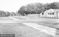 Social Club, Battersbee Road c.1965, New Parks