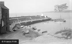 New Quay, The Breakwater c.1933