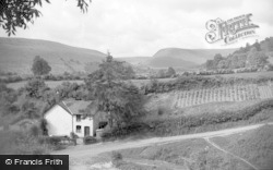 New Radnor, The Valley From The Dingle 1950