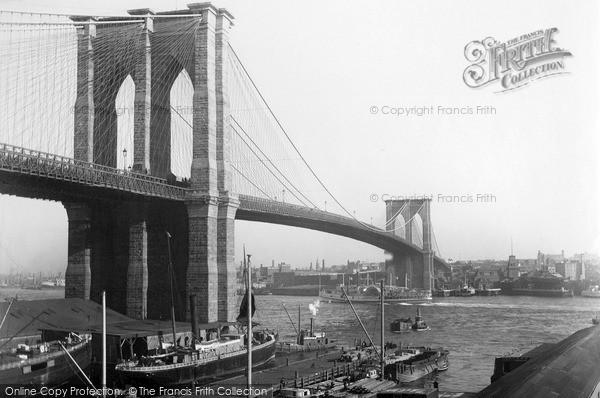 Photo of New York, East River Bridge c.1900