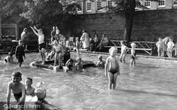 Newark-on-Trent, Kiddies Paddling Pool c.1955