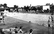 Newark-on-Trent, the Swimming Pool c1955