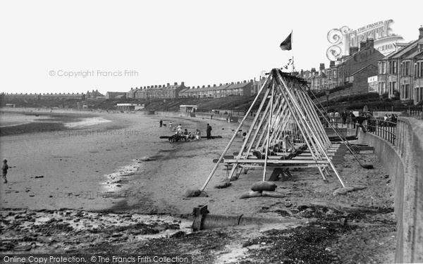Photo of Newbiggin-by-the-Sea, the Beach c1955