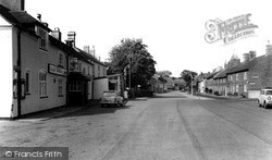 Newbold Verdon, Main Street And The Old Swan Inn c.1965