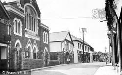 Newbridge, High Street c.1960