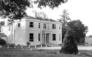 Newbridge, Hotel Embassy c1955