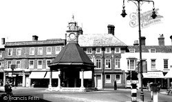 Newbury, The Broadway And Clock Tower 1952
