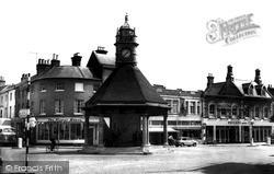 Newbury, The Broadway And Clock Tower c.1965