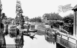 Newbury, The Lock c.1955