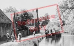 Newbury, Tthe Canal c.1955
