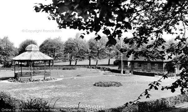 Photo of Newbury, Victoria Park c.1955