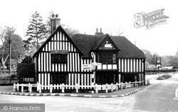 Newbury, Ye Swan Inn c.1955