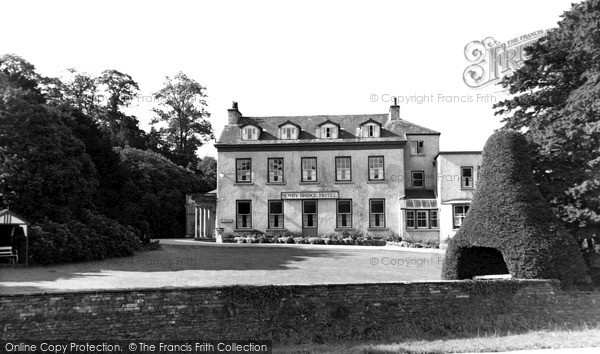 Newby Bridge, Newby Bridge Hotel c1955.  (Neg. N15043)  © Copyright The Francis Frith Collection 2008. http://www.francisfrith.com