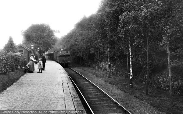 Newby Bridge, the Platform 1914.  (Neg. 67417)  © Copyright The Francis Frith Collection 2008. http://www.francisfrith.com
