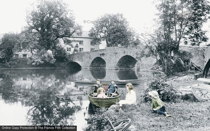 Newby Bridge, the Swan Hotel 1914.  (Neg. 67414p)  © Copyright The Francis Frith Collection 2008. http://www.francisfrith.com