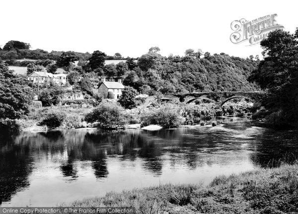 Photo of Newcastle Emlyn, Cenarth Bridge c.1935