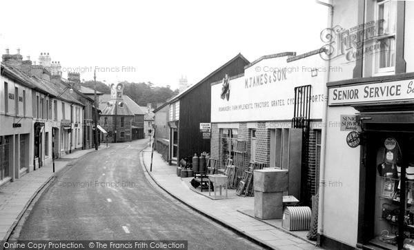 Newcastle Emlyn, Sycamore Street c1955