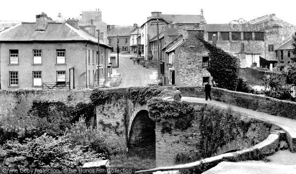 Photo of Newcastle Emlyn, the Bridge c1960