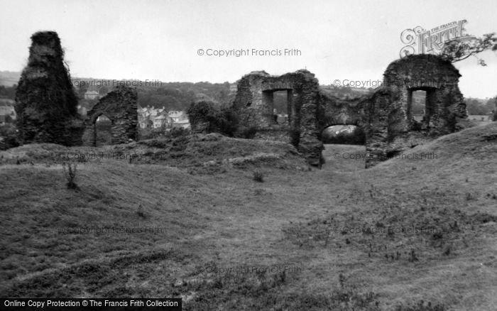 Photo of Newcastle Emlyn, The Castle Ruins 1961