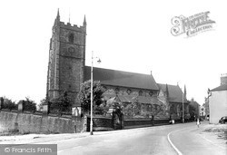 Newcastle Under Lyme, Church Of St Giles c.1940