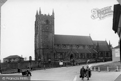 Newcastle Under Lyme, Church Of St Giles c.1955