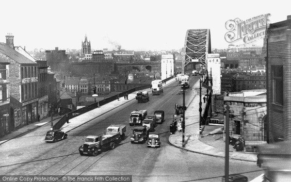 Newcastle upon Tyne, approach to Tyne Bridge c1955